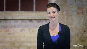Yoga Video Interview mit Wanda Badwal über Yoga, Menschen, Mitgefühl und die Liebe
