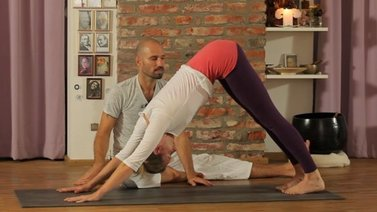 Yoga Video Herabschauender Hund - Adho Mukha Svanasana