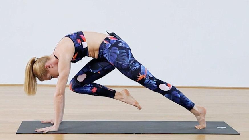 Yoga Video Tutorial: 3 Asanas für einen stabilen Core-Bereich