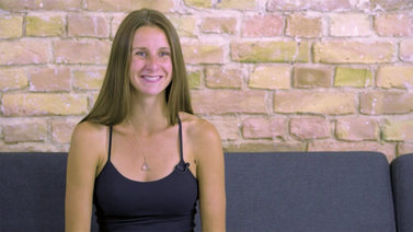 Yoga Video Interview mit Laura Malina Seiler