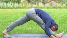 Yoga Video Tutorial: Fit und gedehnt wie ein Fußballer
