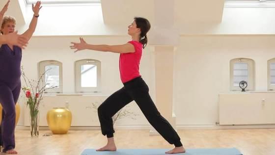 Yoga Video Der große Anfängerkurs mit Anna Trökes - Sich verwurzeln und erden (Teil 4 von 10)