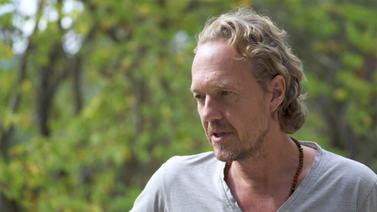 Yoga Video Interview mit Patrick Broome: Worum es beim Loslassen wirklich geht