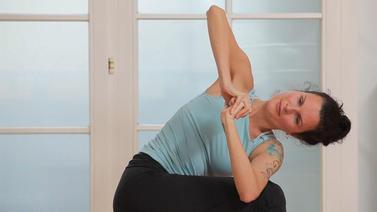 Yoga Video Ruhiger Flow mit vielen Drehungen