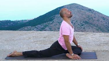 Yoga Video Go with the Flow: Ruhige Hüftöffner für den Abend