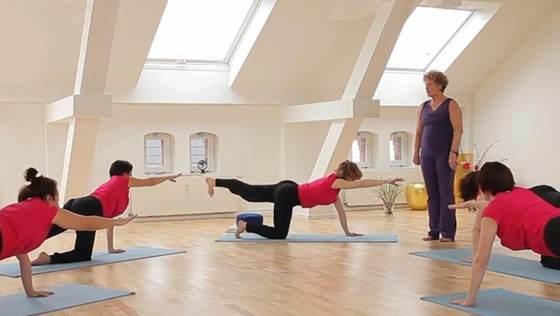 Yoga Video Der große Anfängerkurs mit Anna Trökes - Entspannung finden (Teil 9 von 10)