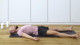Yoga Video Entspannen und Loslassen im Liegen