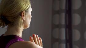 Yoga Video Yoga Stories: Positive Einstellung dank Yoga – Morbus-Crohn-Patientin Josefine Wagner