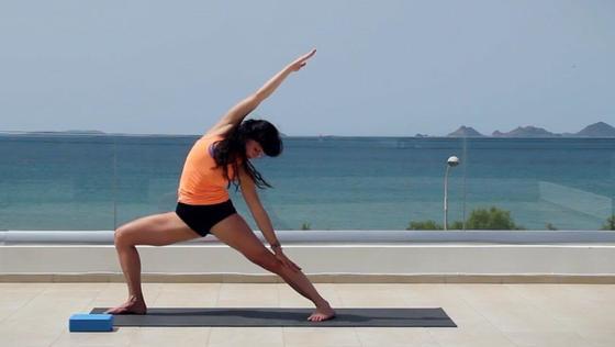 Yoga Video Morgenyoga auf der Dachterrasse