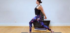 Weite im Herzraum und Kraft im oberen Rücken: Postnatal Yoga
