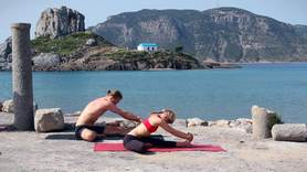 Yoga Video Life Saving Sequence mit Patrick Broome