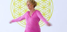 Atmung vertiefen und Lungen reinigen: Senioren-Yoga (70+)