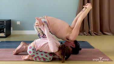 kind_kleinkind_yoga_homeyoga_