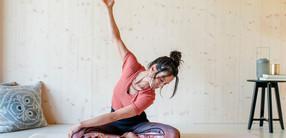Anti-Stress-Yoga bei Schulter- und Nackenverspannungen