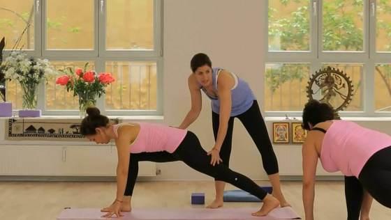 Teil 1: Anusara-Yoga für Anfänger mit Christina Lobe