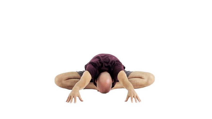 Yoga Video aus baddha konasana in vorgebeugtes baddha konasana (aus dem gebundenen Winkel in den vorgebeugten gebundenen Winkel)