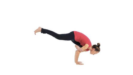 Yoga-Übung: eka pada galavasana l – Fliegende Taube