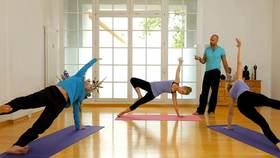 Yoga Video Männeryoga für Frauen