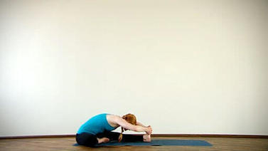 Yoga Video Clip: Janu Sirsasana (Knie-Kopf-Haltung)