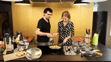 Yoga Video Kartoffel-Bohnen-Curry