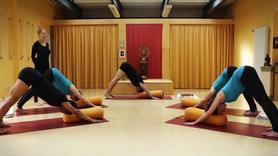 Yoga Video Iyengar Aufbaukurs Teil 5: Vom Groben zum Feinen