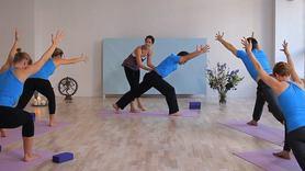 Yoga Video Anusara Aufbaukurs (Teil 1): Kraftvolle Leichtigkeit etablieren