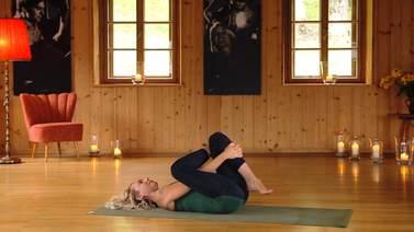 Yoga Video Yin Yoga: eine Bewusstseinsreise mit Hüftöffnern und Drehungen