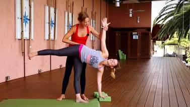 Yoga Video Tutorial - Asana: Halbmond