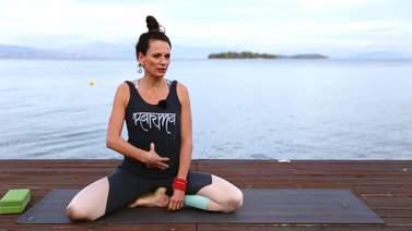 Yoga Video Kurzinterview: warum Core beim Yoga so wichtig ist
