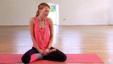Yoga Video Annika Isterling spricht mit uns über Freundschaft, Selbstzweifel und Angst.