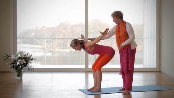 Yoga Video Den Rücken stärken