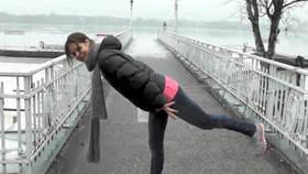 Yoga Video Kleine Yogapause auf dem Weg ins Büro