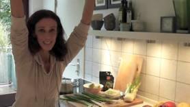 Yoga Video Kleine Yogapause in der Küche