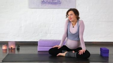 Yoga Video Kurzinterview: Yoga in der Schwangerschaft
