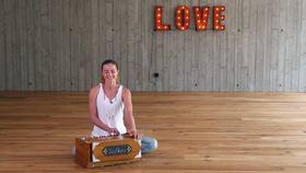 Yoga Video Mantra & Harmonium: Lokah Samastah Sukhino Bhavantu
