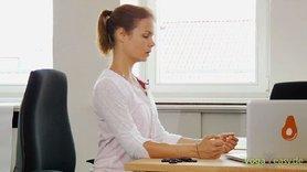 Yoga Video Kleine Yogapause im Büro