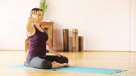 Yoga Video Yoga gegen Verspannungen in Schulter und Nacken: Tagesprogramm