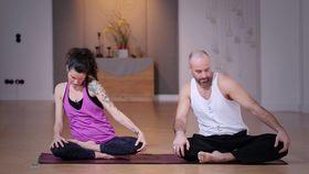 Yoga Video Kundalini-Flow: für mehr Energie am Morgen
