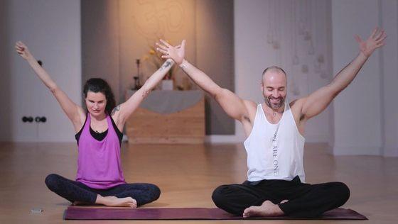 Yoga Video Kundalini-Flow: für weniger Ego und ein großes Herz