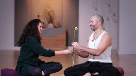 Yoga Video Tutorial: Tipps für bessere Kommunikation in der Beziehung