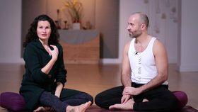 Yoga Video Tutorial: Akzeptanz des Andersseins in der Beziehung