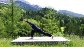 Yoga Video Aktivierendes Guten-Morgen-Yoga mit Timo
