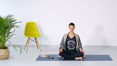 Yoga Video 5-Minuten-Meditation mit Madhavi Guemoes
