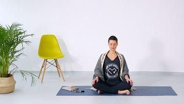Yoga Video 5-Minuten-Meditation mit Madhavi Guemoes