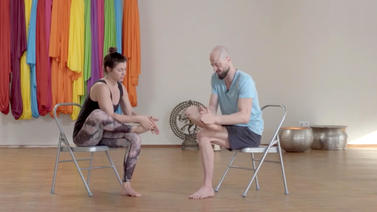 Yoga Video Reawake Fußmassage